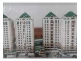 Apartemen Riverside Muara Karang Disewakan – 3 BR Semi Furnished