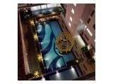 Kolam renang dan playground anak terdapat di tower H jadi tinggal turun